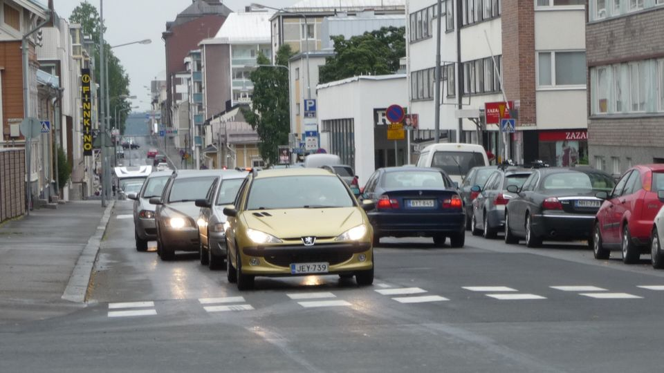 Urban centres change back to two-way streets | Yle Uutiset