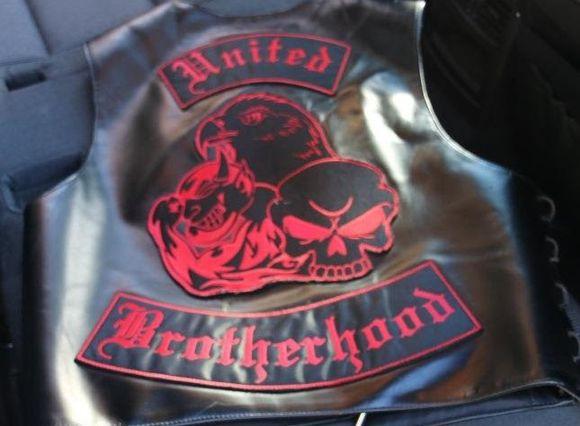 United Brotherhood -jengin tunnusliivi.
