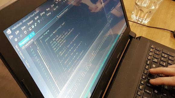 Koodia tietokoneen näytöllä