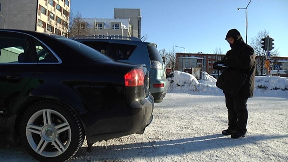 Diplomatic parking violations dip -- but few pay for misdeeds | Yle