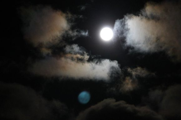 Video: Öinen taivas Lappeenrannassa.
