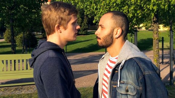 näyttelijät Janne Puustinen ja Boodi Kabbani, Indie-elokuva Tämä hetki kaislikossa, miesten ja eri kulttuurien välinen rakkaus, homo,