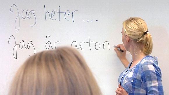 Ruotsin kielen opetusta.