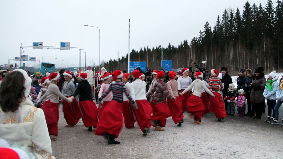 When Is Russian Christmas.East Meets West For A Holiday Hug Yle Uutiset Yle Fi