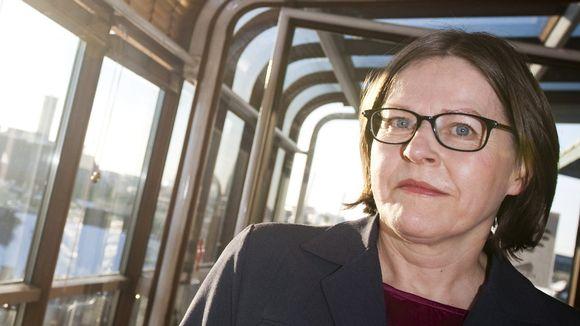 Kehitysministeri Heidi Hautala (vihr.) taloustoimittajien vieraana Helsingissä 25. helmikuuta 2013.