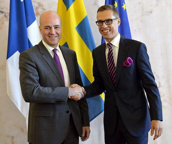 Ruotsin ja Suomen pääministerit Fredrik Reinfeldt (vas.) ja Alexander Stubb tapasivat Tukholmassa perjantaina 4. heinäkuuta 2014.