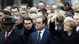 Malin presidentti Ibrahim Boubacar Keita, Ranskan presidentti François Hollande ja Saksan liittokansleri Angela Merkel osallistuivat rauhanmarssille.