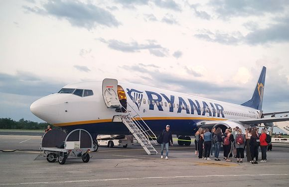 Halpalentoyhtiö Ryanairin lentokone