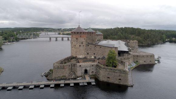 Ilmakuva Olavinlinnasta.