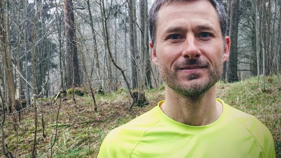 Australian trail runner Mark Lee lives in Helsinki and commutes across the city to work year round.