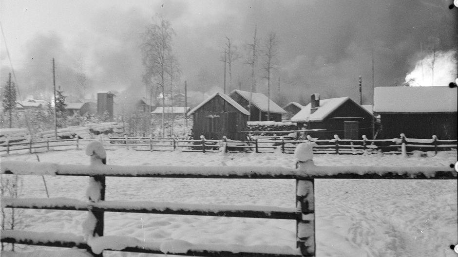 A farmstead burning on the Karelian Isthmus.