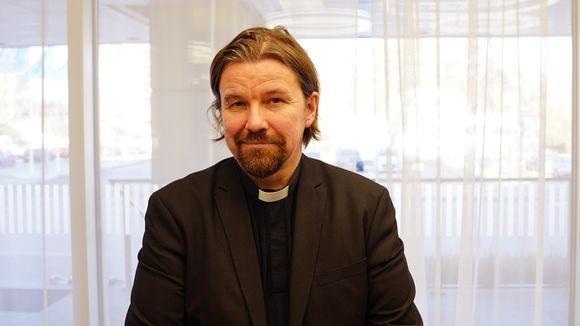 Vicar of St. Paul's parish in Helsinki Kari Kanala.