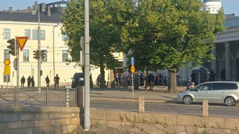 poliisit keskusta