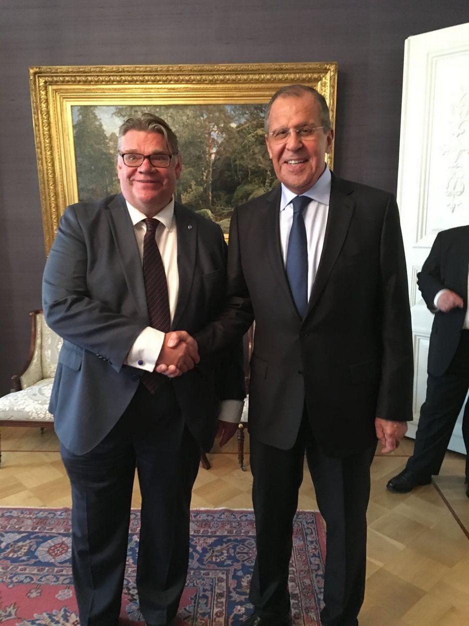 Suomen ulkoministeri Timo Soini ja Venäjän ulkoministeri Sergei Lavrov.