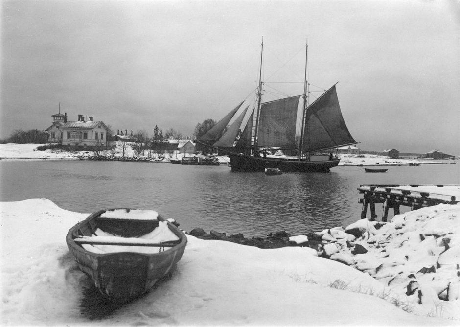 Вид на залив из парка Кайвопуйсто, конец 19-го века