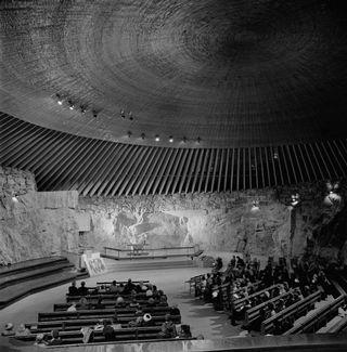 Церковь в скале, 1970-й год