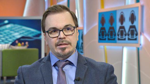 Rikoskomisario Marko Leponen kertoo Aamu-tv:ssä sijoitushuijauksista.