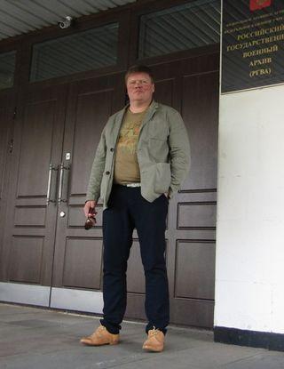 Фото: Андрей Кашкаров у дверей Российского государственного военного архива