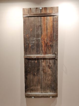 lea pakkasen perheen saunan ovi