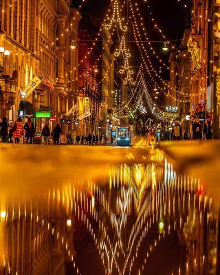 Рождественские огни на улице Алексантеринкату