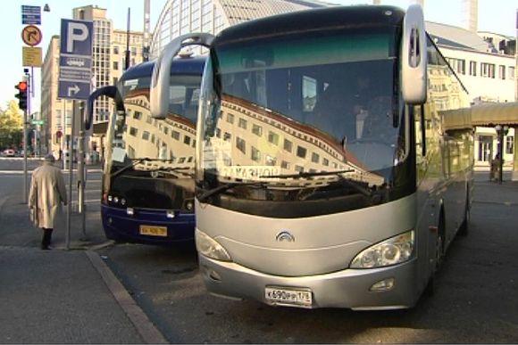 Видео: Российские автобусы Хельсинки, в районе Камппи.