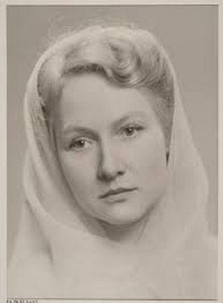 Vera Froloff.