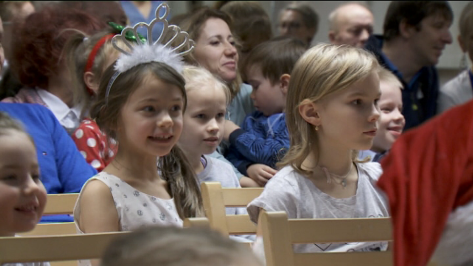 Видео: Suvenlahti joulujuhla Joensuu