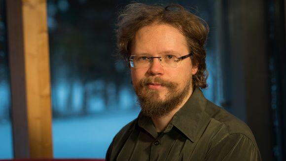 AKS mediapargee Petter Morottaja algâttij nooveelháástu.