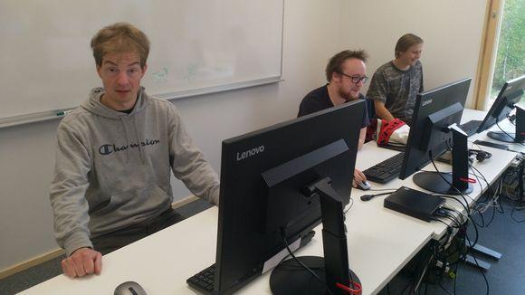 Koltansaamen opiskelijat Tero Harju, Pavlo Heikkinen ja Tuomas Kiprianoff.