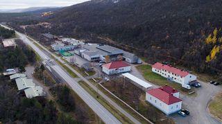Utsjokisuun koulun rakennukset.