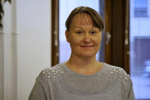 Bálgosiid ovttastusa doaimmajođiheaddji Anne Ollila lea mielde Suoma alimus boazologuid guorahalli bargojoavkkus.