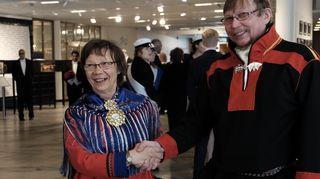 Video: Kirste Paltto ja Petteri Laiti leaba viháhuvvon Lappi universitehta gudnedoavttirin.