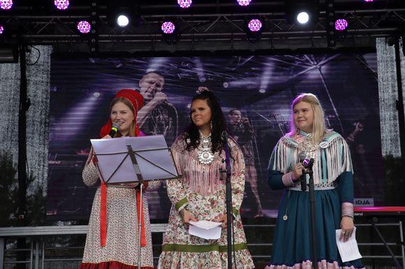 Teija Kaartokallio, Sáárá Seipiharju ja Marianne Ketola