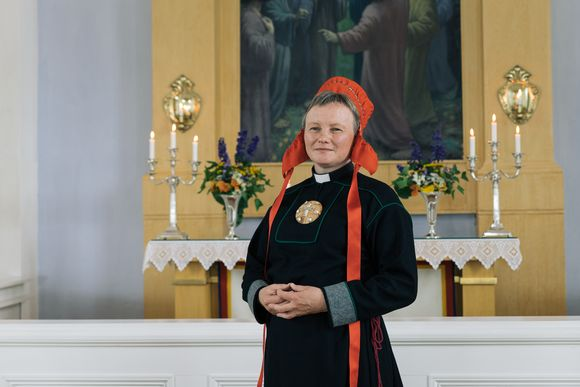 Erva Niittyvuopio lea Oulu bismagotti sámebarggu čálli.