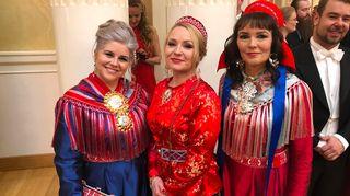 Eeva-Liisa Rasmus-Moilanen, Katja Gauriloff ja Marja Helander, linnan juhlat