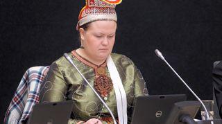 Saamelaiskäräjien puheenjohtaja Tiina Sanila-Aikio täysistunnossa 25.6.2015.