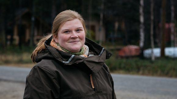Njellimlâš Jane Helppi kiävttá Njellim kiäinu távjá.