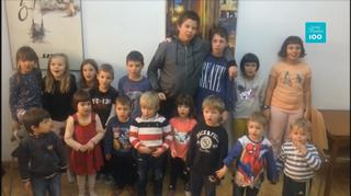 Joukko Barcelonan Suomi-koulun lapsia.