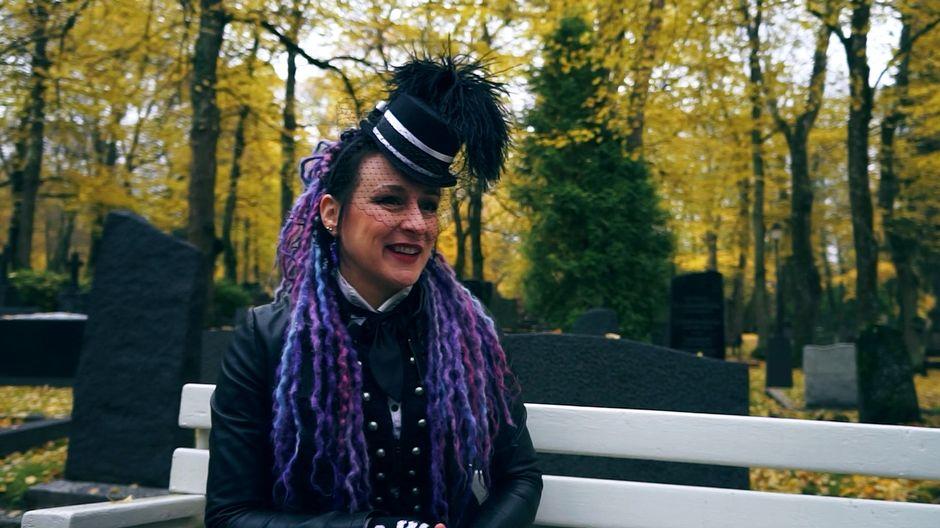 Video: Kuvassa kirjailija Magdalena Hai.