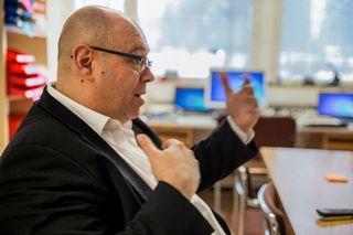 Hämeenkylän koulun rehtori Pasi Majasaari.