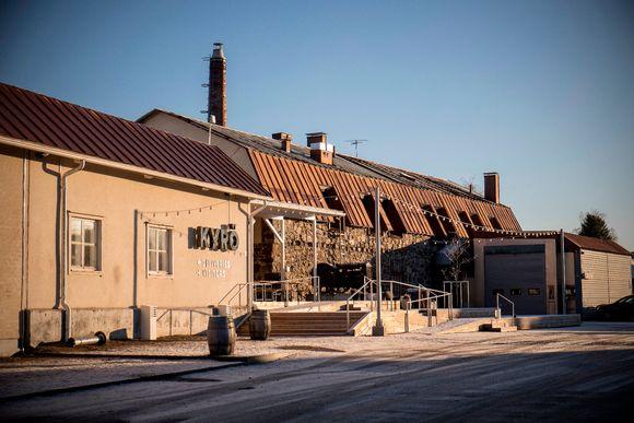 Kyrö Distilleryn tislaamo Isossakyrössä.