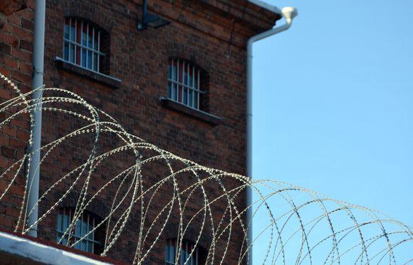 Vaasan vankilan piikkilankaa
