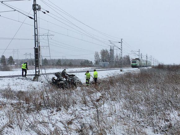 Tasoristeysonnettomuus Vaasan ja Seinäjoen välillä 31.3.20