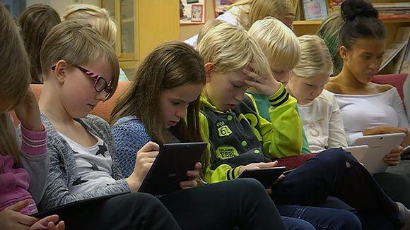 Marttilan koulun oppilaita opettelemassa koodausta syyskuussa 2016.