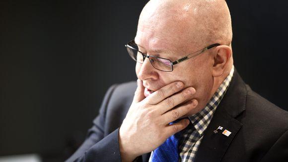 Työministeri Jari Lindström.