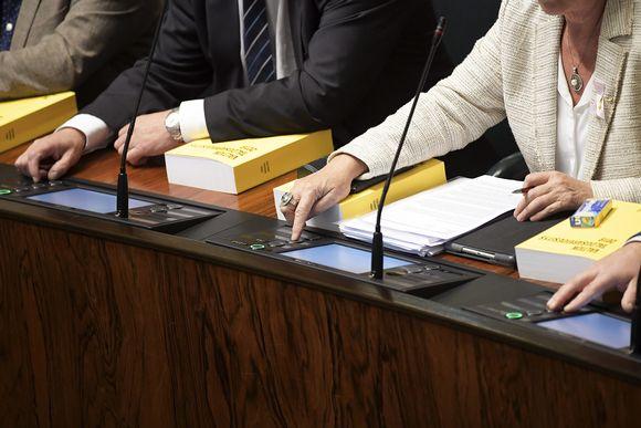 Perustuslakiäänestys eduskunnan täysistunnossa