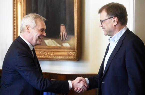 Hallitustunnustelija, SDP:n puheenjohtaja Antti Rinne ja keskustan puheenjohtaja, toimitusministeristön pääministeri Juha Sipilä.