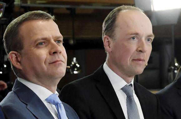 Petteri Orpo ja Jussi Halla-aho eduskuntavaalien tulosillassa Pikkuparlamentissa 14. huhtikuuta.