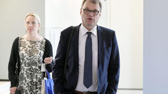 Juha Sipilä saapuu eduskuntaryhmän kokoukseen eduskunnassa Helsingissä 21. toukokuuta.