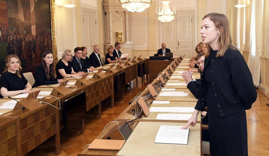 Opetusministeri Li Andersson antoi virka- ja tuomarinvakuutuksen järjestäytymisistunnoksi kutsutussa valtioneuvoston yleisistunnossa